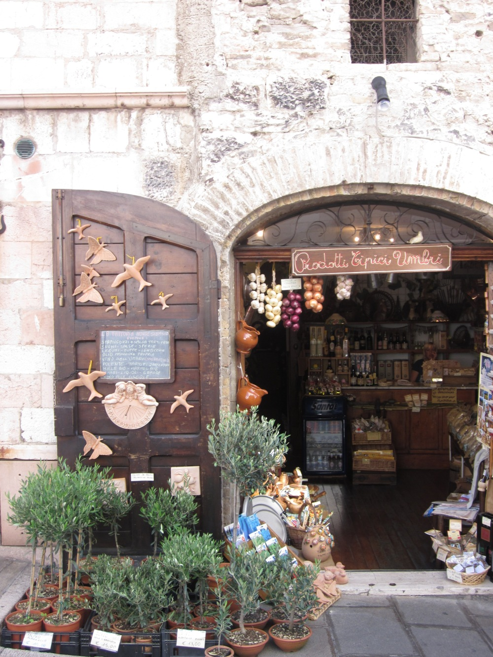 Bottega artigianale in Assisi --- Copyright Francesca Mignosa 2013
